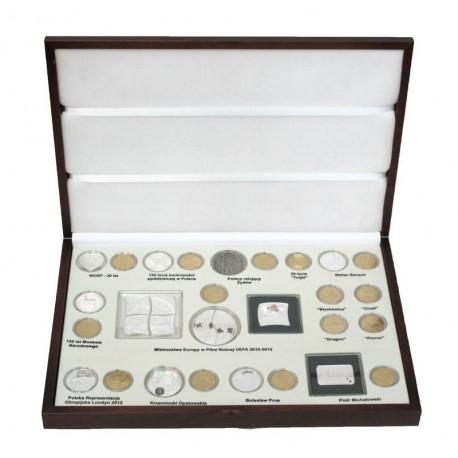Komplet monet srebrnych i 2 zł z roku 2012 w eleganckiej kasecie