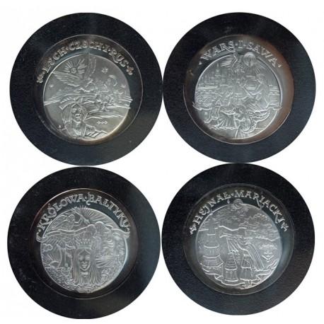 Skarbnica Narodowa - kolekcja 4 medali z serii Baśnie i Legendy