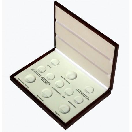 Kaseta do przechowywania monet srebrnych z roku 2001