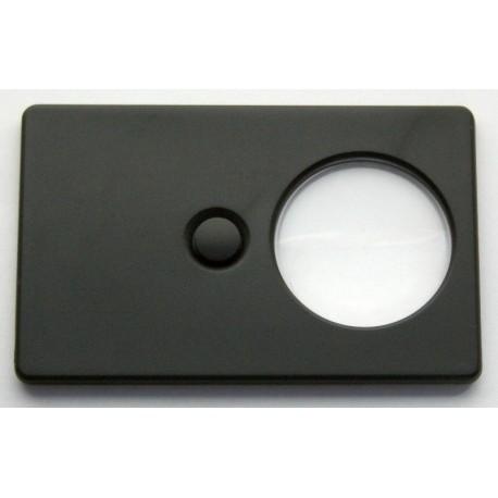 Lupa w formie karty kredytowej firmy Leuchtturm
