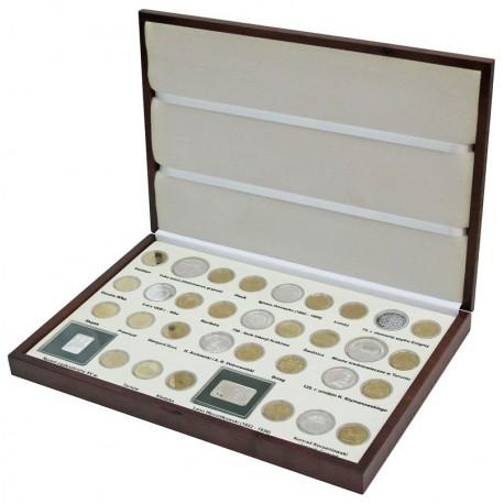 Komplet monet srebrnych i 2 zł z roku 2007 w eleganckiej kasecie